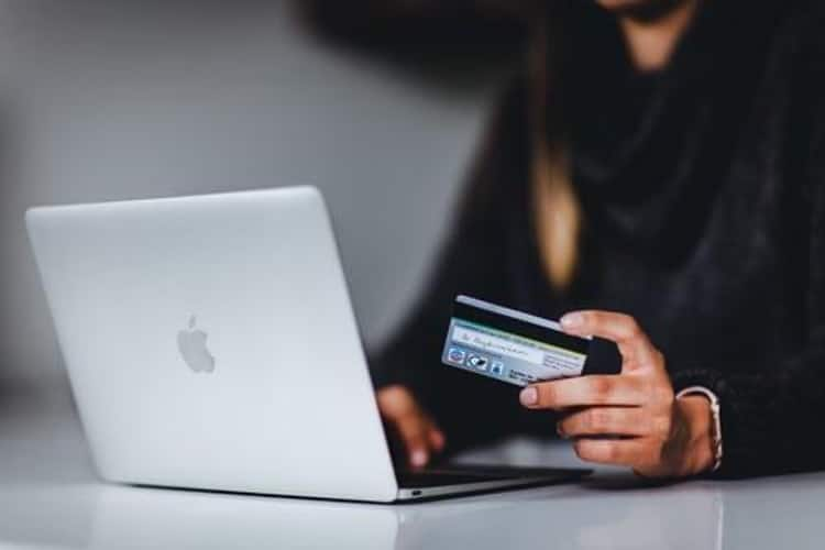 5 Benefits of Embedded Payments